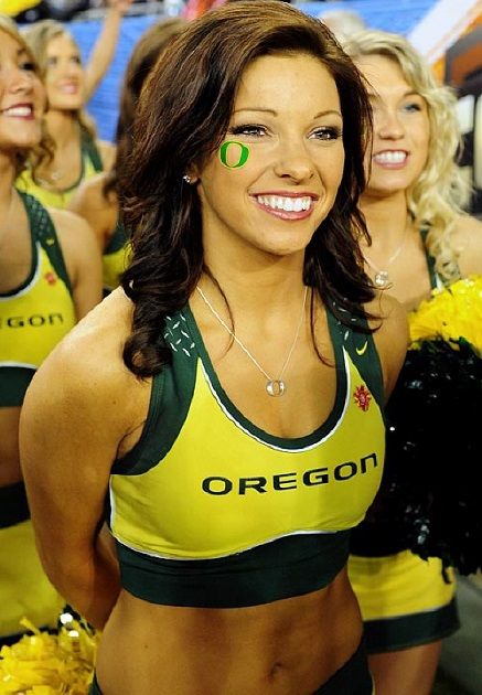 Oregon-Ducks-Cheerleaders-2013