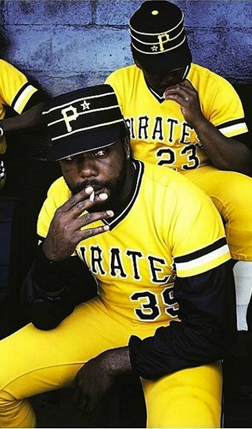 Pittsburgh Pirates 2015 MLB team preview funny shirtless smoking Dave Parker retro uniforms