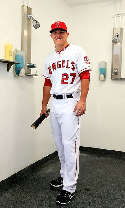 funny mike trout los angeles angels season preview shirtless 2015 mlb