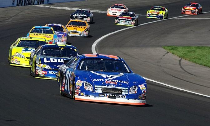 auto-racing-583032_960_720